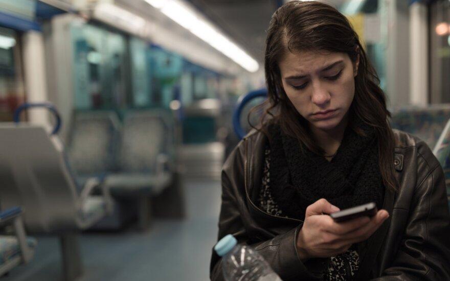 Pasišlykštėjo tautiečių komentarais socialiniuose tinkluose: man gaila tų garsių moterų