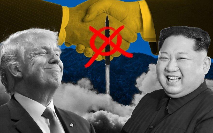 Žiniasklaida: Trumpas prieštarauja, kad į JAV ir Šiaurės Korėjos viršūnių susitikimą būtų kviečiami Japonijos ir Pietų Korėjos vadovai