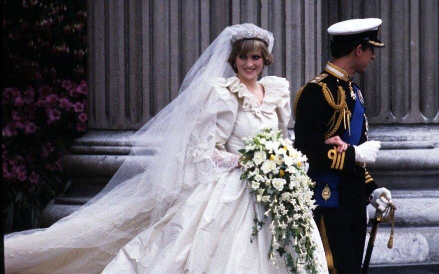 10 slaptų detalių, kurių nežinojote apie princesės Dianos vestuvinę suknelę