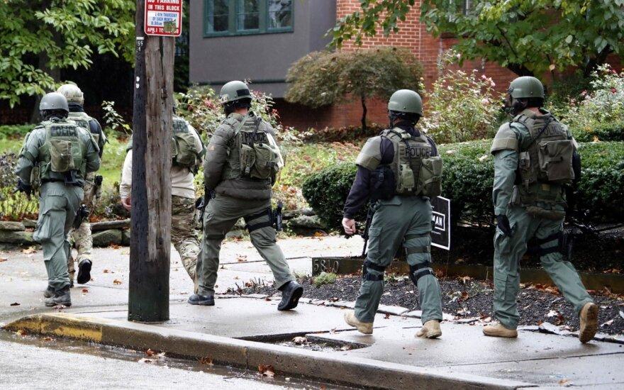 JAV: Pitsburgo sinagogoje nušauti mažiausiai aštuoni žmonės