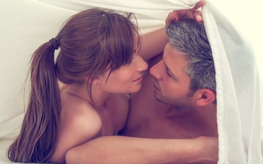 Blogi įpročiai miegamajame, kurie sugadins geriausius santykius
