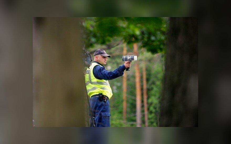 Policininkas su radaru Latvijoje