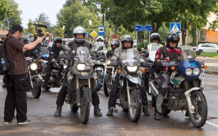"""""""Mototurizmo ralis"""" apjuosė Lietuvą motociklais"""
