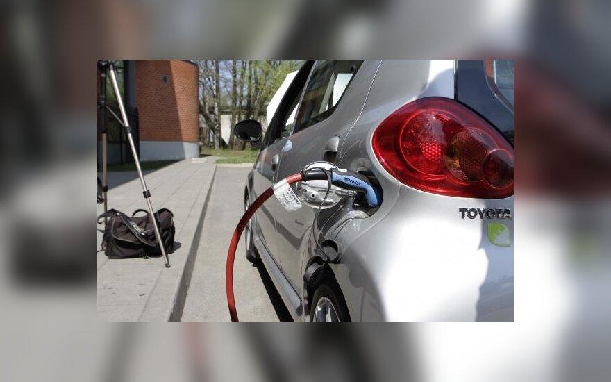 Vokietijos planai elektrifikuoti automobilių parką – pernelyg optimistiniai