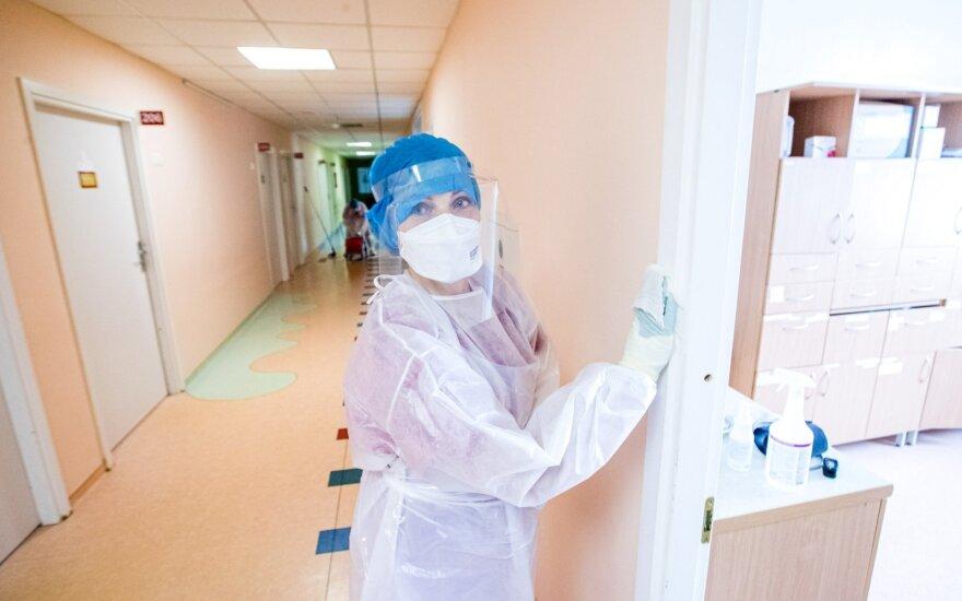 Poliklinikos jau dėlioja planus, kaip dirbs: patekti pas gydytoją bus sudėtingiau nei iki karantino