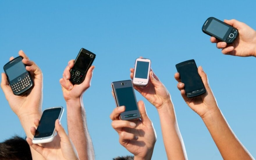 Skirtingi išmanieji telefonai