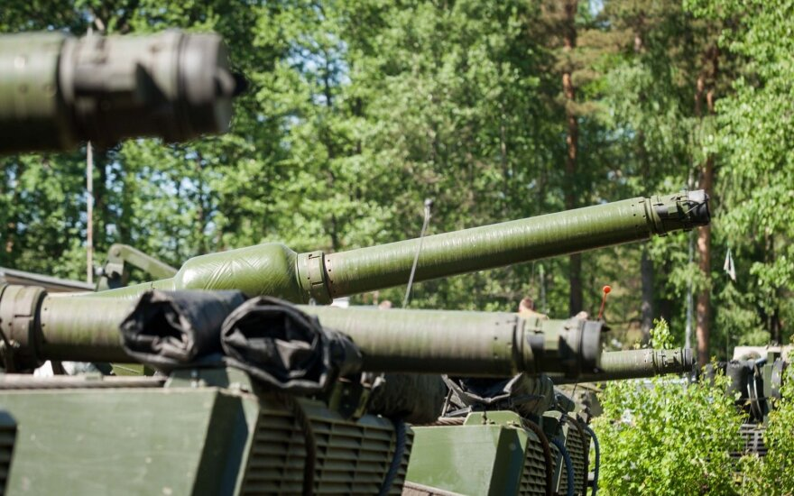 Dėl Rusijos grėsmės NATO šalys didina išlaidas gynybai