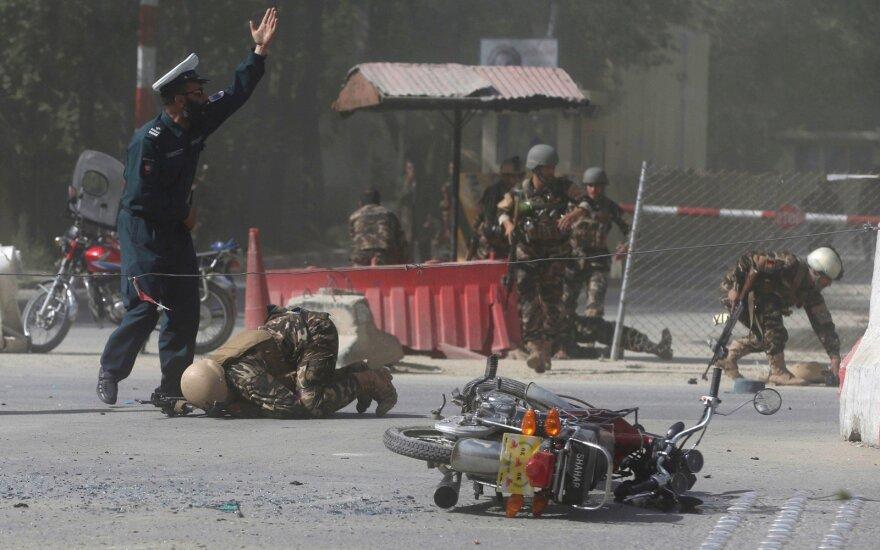 Kabulo policija užkirto kelią mirtininko išpuoliui prie kraujo donorų centro