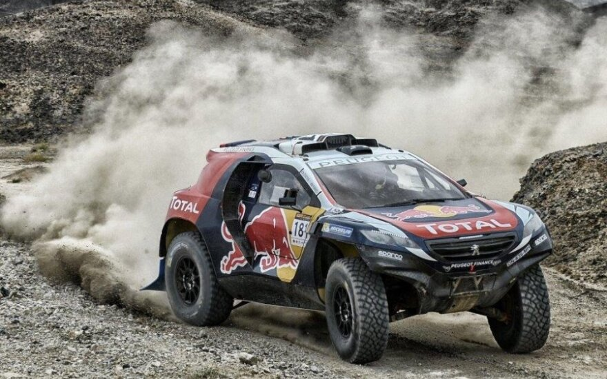"""Peugeot 2008 DKR"" triumfavo Šilko kelio ralyje"