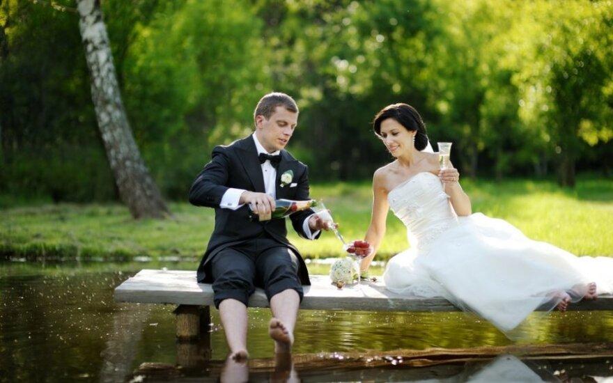 Kas per vestuves erzina labiausiai?