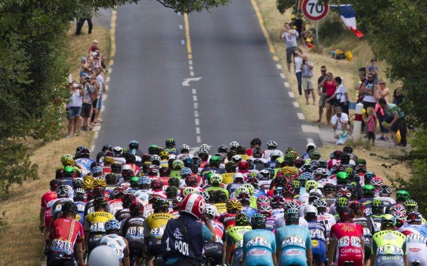 """Nepaisant teroro akto Nicoje, """"Tour de France"""" lenktynės tęsis"""