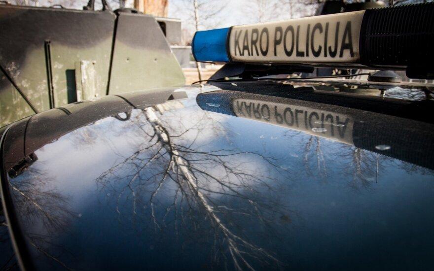 Karo policija sulaikė civilį, prekiavusį Lietuvos kariuomenės ekipuote