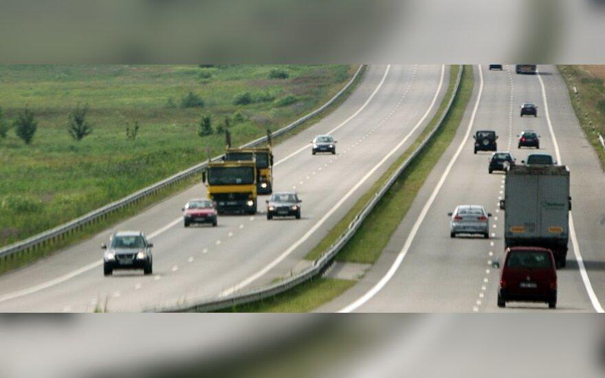 Rengiamasi patvirtinti didesnį leistiną greitį magistralėje Vilnius-Kaunas
