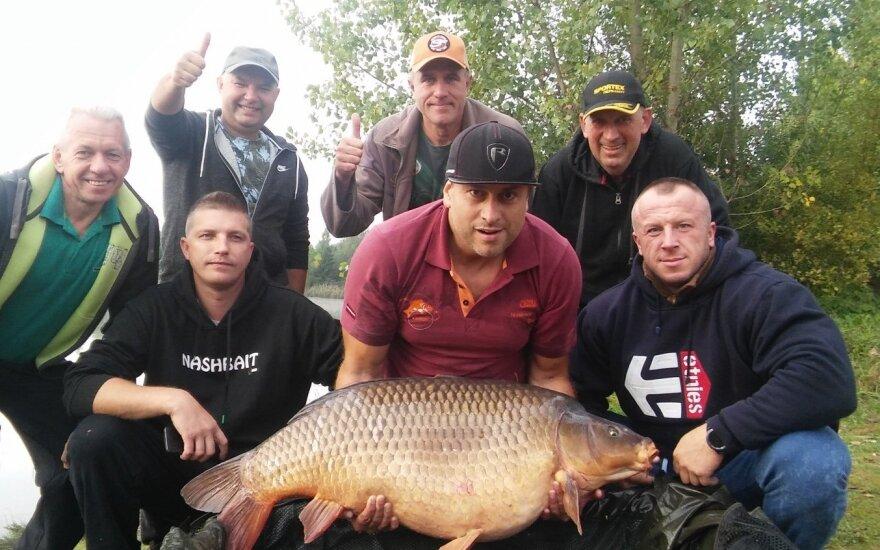 Rekordinis Lietuvos karpis sveria 27 kg 825 g.