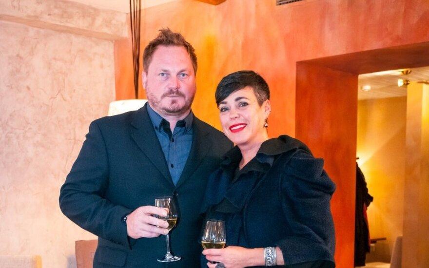 Nomeda Marčėnaitė susižadėjo su žinomu dizaineriu Vytu Palavinsku