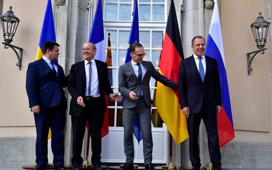 Pavlo Klimkinas, Jean-Yvesas Le Drianas, Heiko Maasas, Sergejus Lavrovas