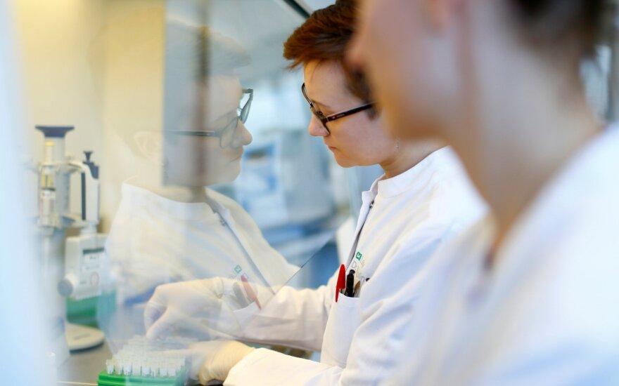 Vokietijos ekspertai sudėliojo galimus pandemijos scenarijus – blogiausio nutylėti negalima