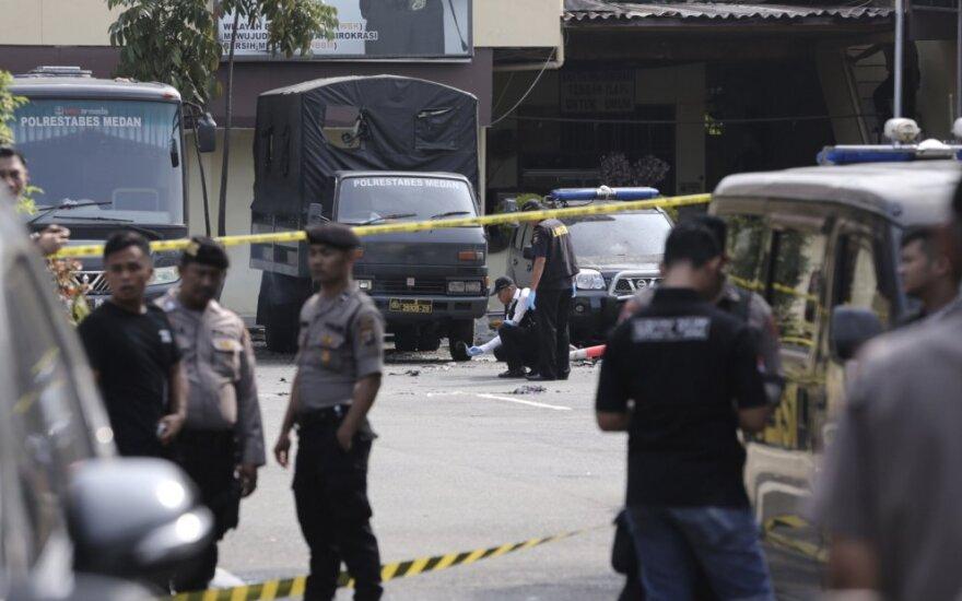 Indonezijoje policijos nuovadoje susisprogdinus mirtininkui žuvo 1, sužeisti dar 6 žmonės
