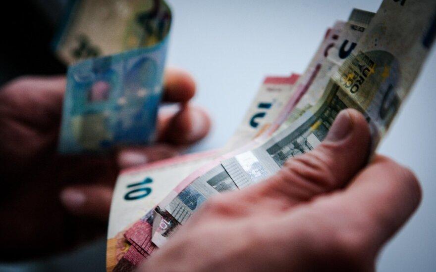 SEB keičia prognozę: Lietuvos ekonomika smuks daugiau nei 3 proc.