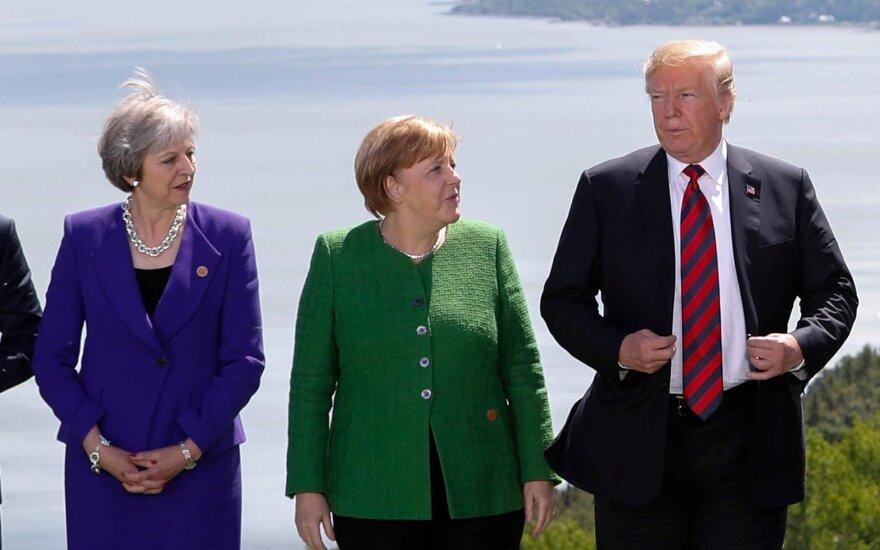 Theresa May paragino Donaldą Trumpą ir Europos lyderius vengti prekybos karo