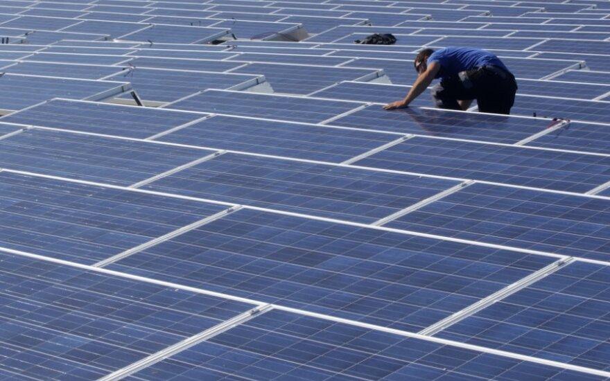 Nukirpo saulės elektrinių ir biodujų jėgainių tarifus