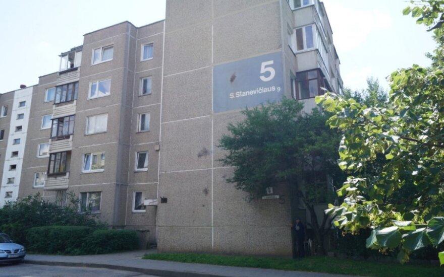 Vilniaus daugiabučio namo gyventojai dūsta nepakenčiamame tvaike