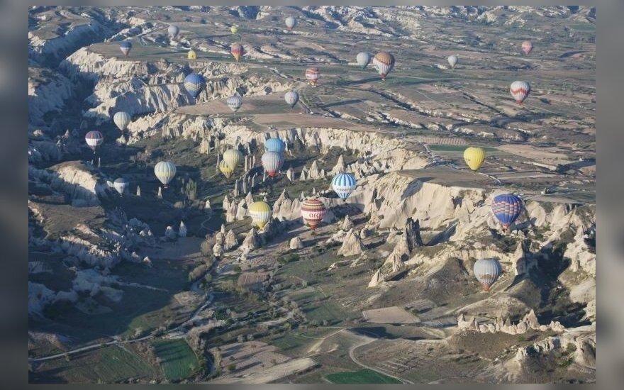 Turkijoje nukrito oro balionas, žuvo turistas