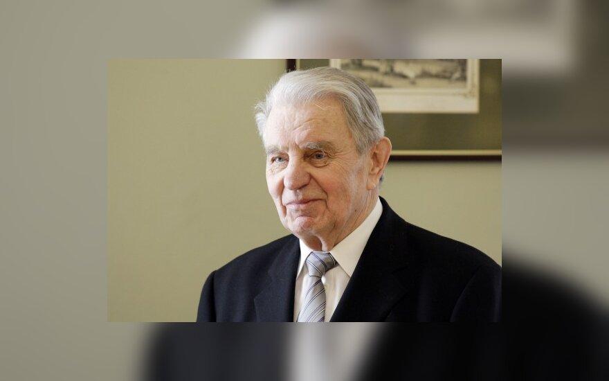 J.Marcinkevičiaus būklė lieka stabiliai sunki