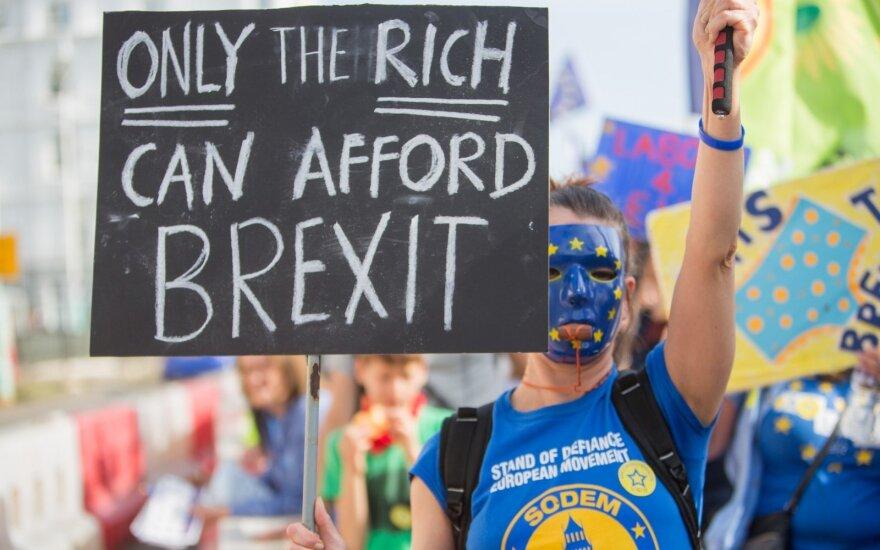 """ES pradės vidinį pasiruošimą """"Brexit"""" deryboms dėl prekybos"""