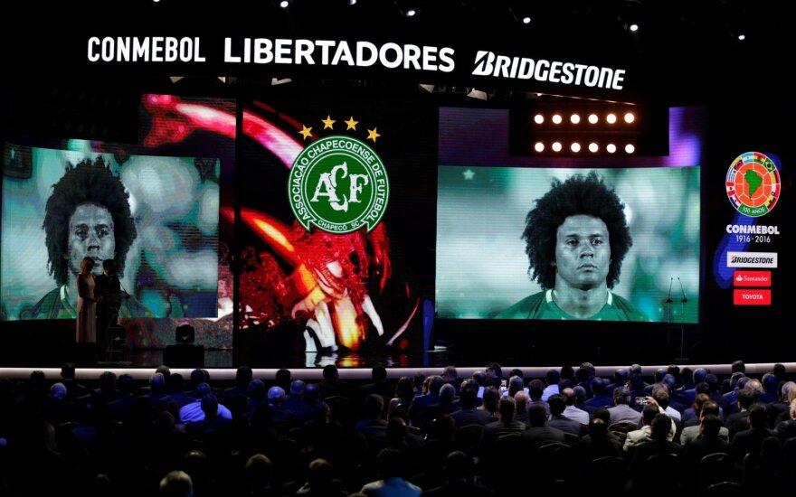 """Chapecoense"" komanda pagerbta ""Libertadores"" taurės burtų traukimo metu"