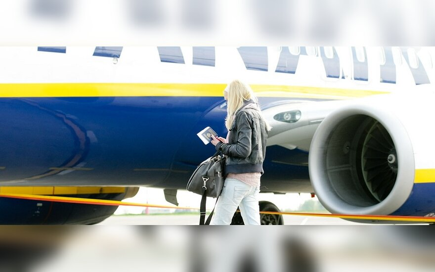 ES svarsto galimybę atsisakyti oro linijų rinkliavų