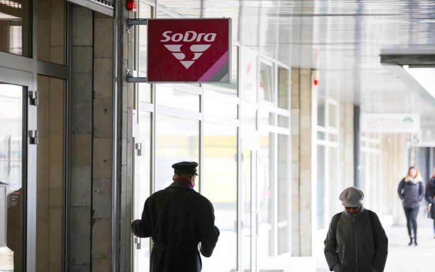 """Svarstoma idėja dirbančius pensininkus atleisti nuo """"Sodros"""" įmokų"""