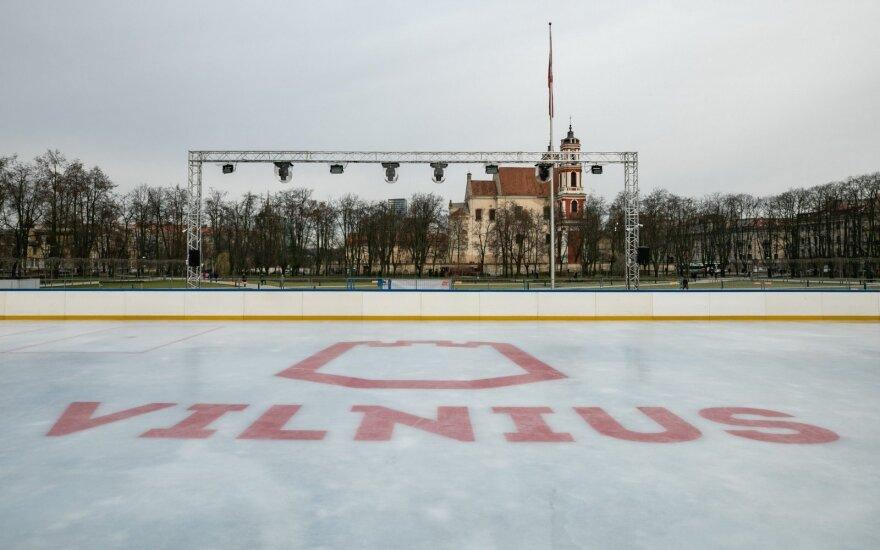 Kalėdinė Vilniaus čiuožykla Lukiškių aikštėje