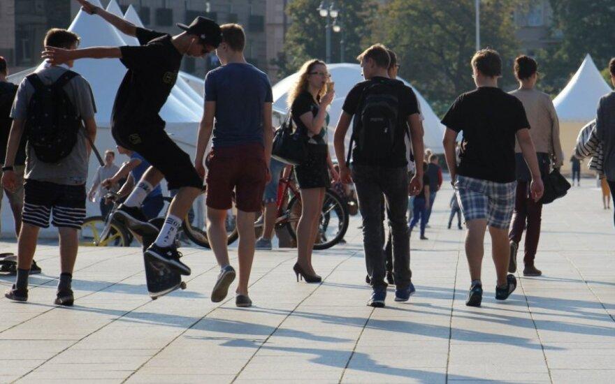 Sostinės jaunimo analizė: kokie jie ir ką veikia