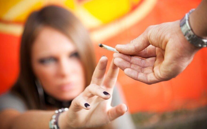 Europos Sąjungoje žaibišku greičiu plinta nauji narkotikai