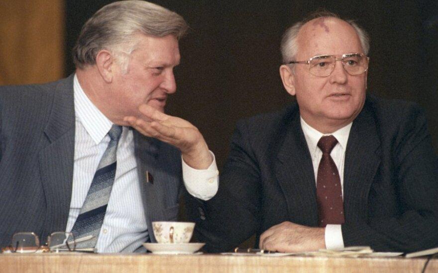 Michailas Gorbačiovas ir Algirdas Brazauskas 1990 m. sausis
