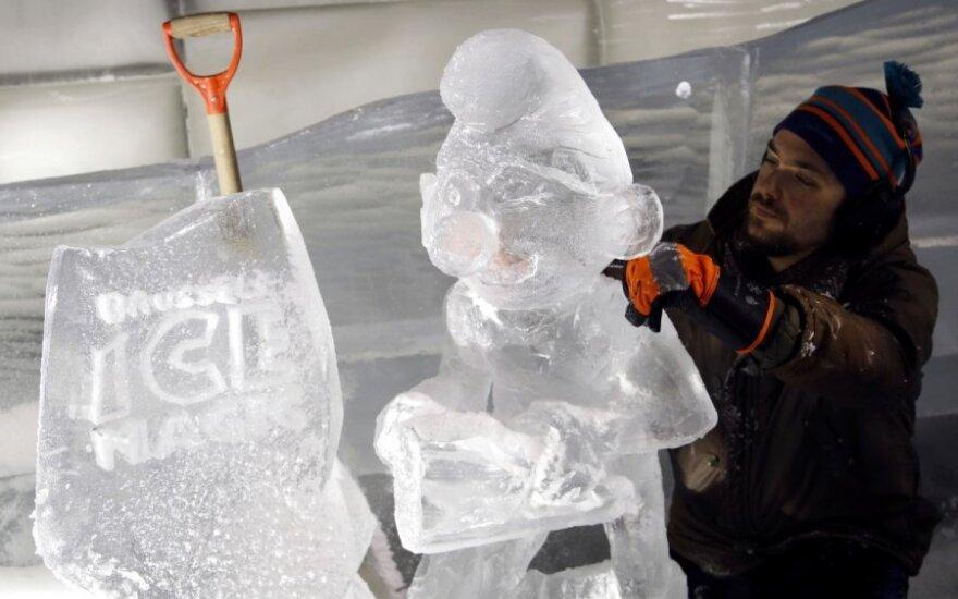"""Tarptautinis skulptūrų festivalis """"Ledinė magija"""" Briuselyje"""