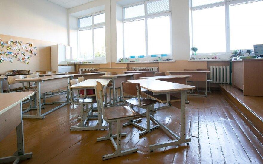 Tėvelį apstulbino mokytojos vertinimas: nenoriu, kad mano vaikas mokykloje praleistų daugiau laiko