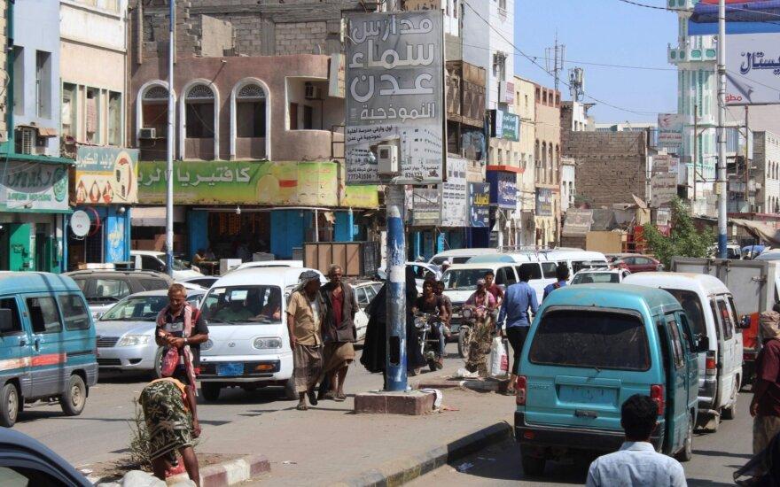Saudo Arabijos pareigūnas: Rijadas derasi su Jemeno sukilėliais