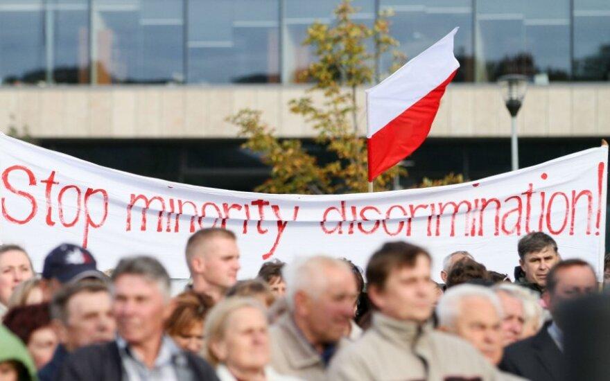 Lenkijos švietimo ekspertai pareiškė, kad Lietuvos įstatymas diskriminuoja lenkų moksleivius