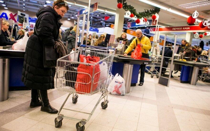 """""""Maxima"""" skelbia, kiek prekių galima nusipirkti už 1 eurą ir mažiau"""