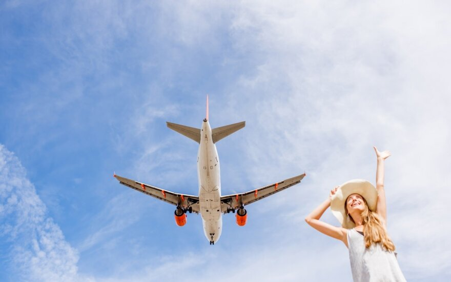 Turizmo departamentas įspėja: neteisėtai veikianti bendrovė parduoda skrydžių bilietus