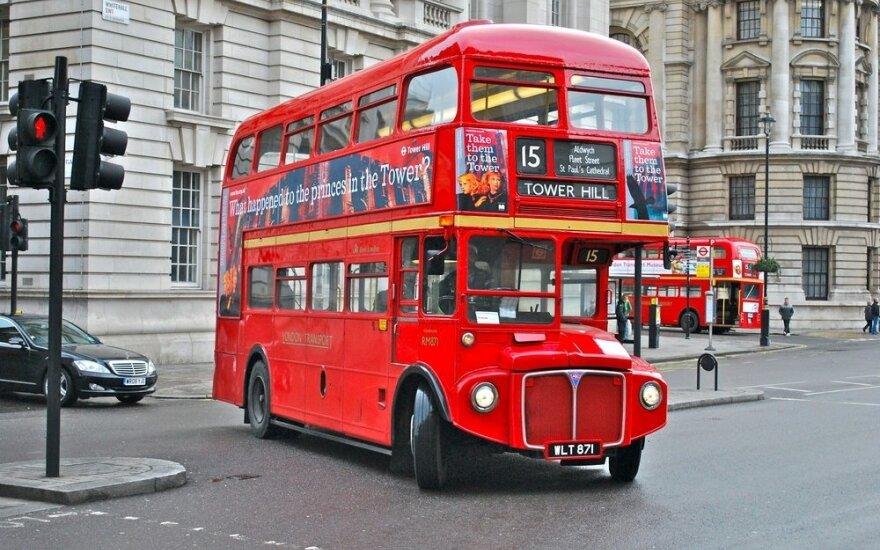 Kodėl daugiau miestų nenaudoja dviaukščių autobusų kaip Londonas?