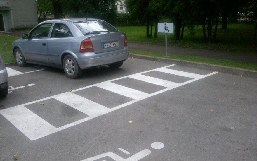 Kaune, prie LKKA. 2011-09-07