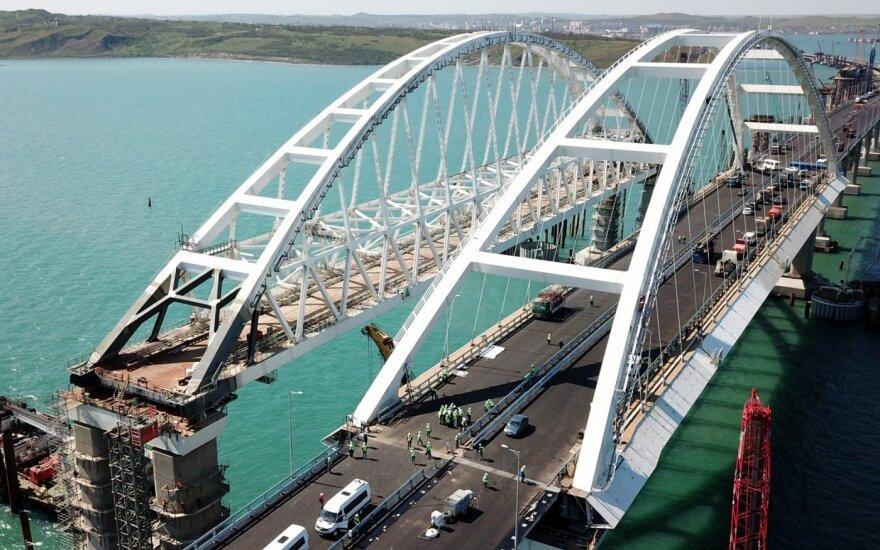 Ukraina piktinasi dėl Krymo tilto: vyksta blokada