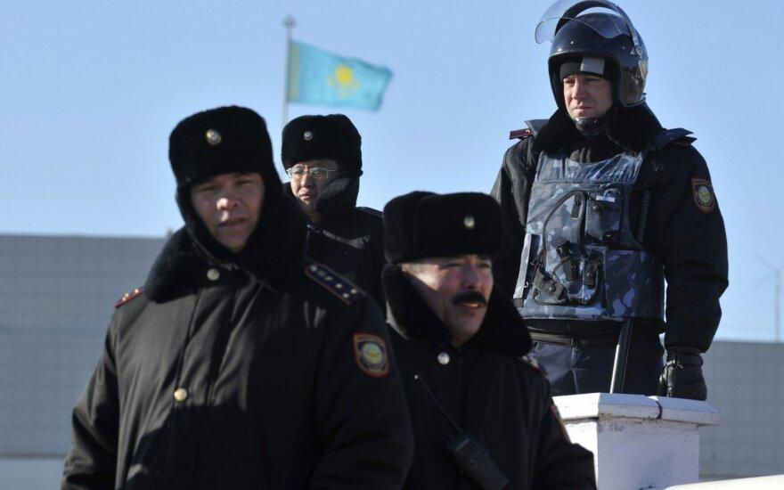 Kazachstane du asmenys areštuoti už gandų apie koronavirusą platinimą