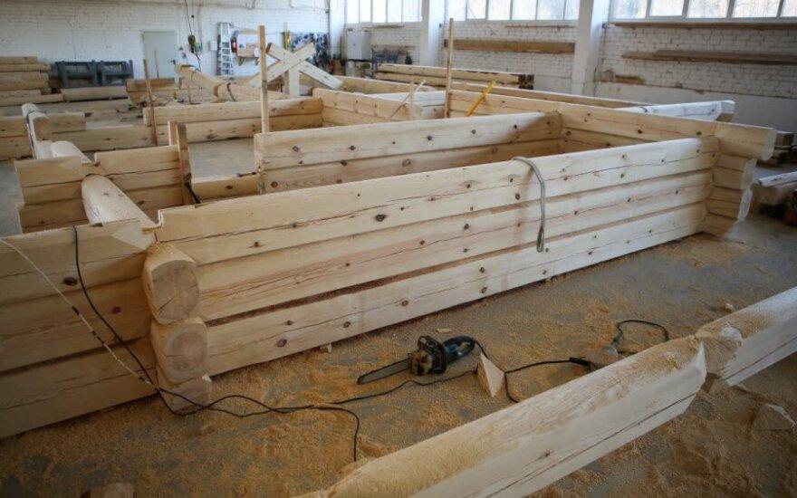 Mūšis dėl lietuviškos medienos: iškeliauja į užsienį, o baldų gaminti nėra iš ko