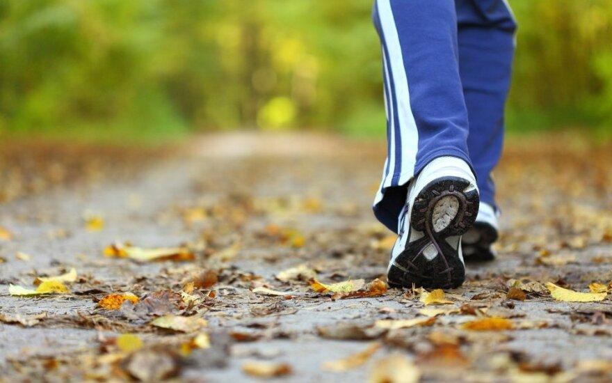 Tyrimas: vaikščiojimas gali būti geriau už sporto salę