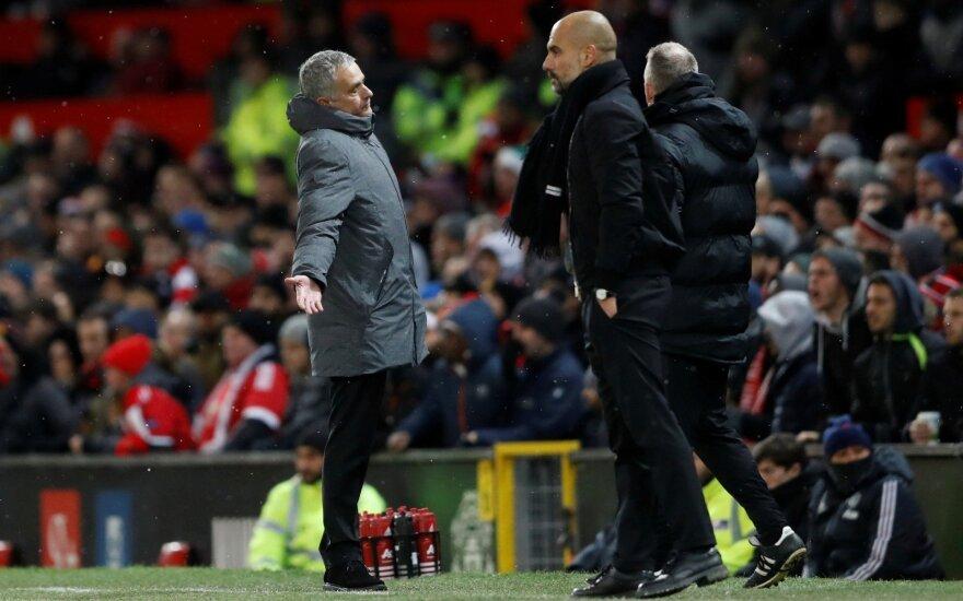 Jose Mourinho (kairėje) ir Josepas Guardiola