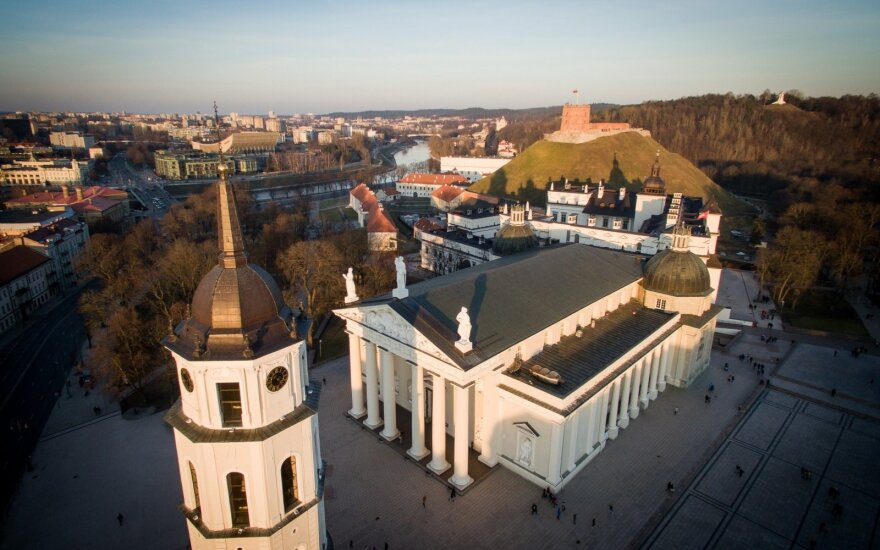 Prezidento patarėjas: Vilnius gyvena kaip Suomija, likusi Lietuvos dalis – kaip Rumunija